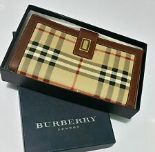 "Authentic BURBERRY Beige & Brown ""Nova Check"" Logo Gold Snap Large Wallet $579"