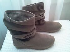 SKECHERS GENUINE SUEDE LEATHER TAUPE AUSSIE HELSINKI BOOTS~RETAIL $80~SZ 6-NEW