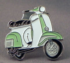 VESPA SCOOTER LIGHT GREEN/WHITE PIN BADGE NEW