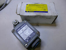 SQUARE D - HEAVY DUTY LIMIT SWITCH - 9007TSB1M11 - 12 amp Contacts - QTY AVAIL