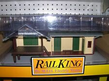 """MTH """" HOOTERVILLE"""" Train Depot Station 30-90501 , new boxed  lot # 10099"""