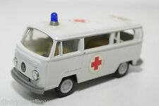 GAMA VW VOLKSWAGEN TRANSPORTER T2 AMBULANCE NEAR MINT CONDITION