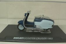 DUCATI SCOOTER CRUISER 1952 1:24 FROM COLLECTION