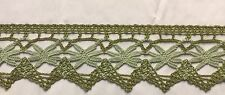 Cluny Lace Trimming Color: Green - Put-Up: 10 Continuous Yards