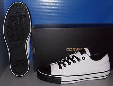 "CONVERSE ""CHUCK TAYLOR"" CT ILL OX in colors CONVERSE WHITE SIZE 8"