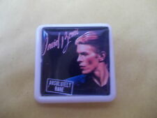 DAVID BOWIE ABSOLUTELY RARE   ALBUM COVER    BADGE PIN