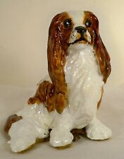 Dog Figurine-CAVALIER KING CHARLES SPANIEL-Blenheim-Sitting/Base-BEAUTIFUL-RARE!