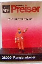 HO Preiser 28009 Railroad Shunter with Raised Arm : 1/87 scale Individual Figure