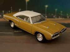 1970 70 DODGE CORONET SUPERBEE 440 MOPAR COLLECTIBLE DIORAMA MODEL 1/64 SCALE
