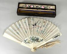 BEAUTIFUL QUALITY ANTIQUE CHINESE SILK EMBROIDERY AND BONE FAN 19TH CENTURY
