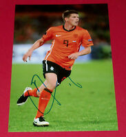 KLAAS JAN HUNTELAAR HAND SIGNED AUTOGRAPH 12X8 PHOTO HOLLAND SOCCER