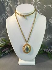 Lovely Vintage AVON SIGNED Floral Locket Pendant Necklace-- Estate Jewelry Lot