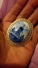 Vintage Dutch BLUE DELFT Hand Painted Bone China Windmill Goldtone Frame BROOCH*