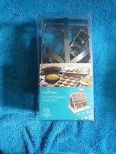 UNUSED BOXED CROFTON 3D GINGERBREAD HOUSE COOKIE CUTTER SET