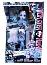NEW OFFICIAL MONSTER HIGH ABBEY BOMINABLE ART SET ACCESSORIES DOLL