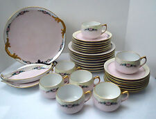32 pc Hutschenreuther Arzberg D&B Germany Iridescent Pink & Blue Flower China