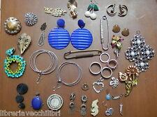 Lotto di vecchi ORECCHINI d epoca vintage in metallo ANELLI FERMAGLI SPILLE del