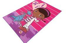 Kinderteppich Kinder Teppich Disney Doc Mc Stuffins Spielzeugärztin mit Drachen