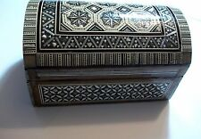 VINTAGE EGYPTIAN CHEST SHAPED MOSAIC MOTHER OF PEARL INLAID JEWELLERY BOX