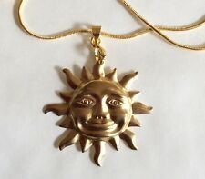 LARGE SUN GOLD TONE PENDANT AND 43 CM CHAIN