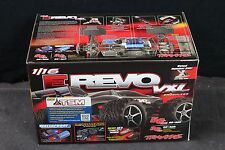 TRAXXAS 71076-3 1/16 REVO BRUSHLESS VXL TQI 2.4 w/Battery& Charger TSM BLACK 923