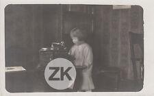 LA PETITE FILLE AU PHONOGRAPHE Musique Enfant Etrange Fantôme Photo 1930s