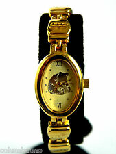 WINNIE THE POOH LADIES  WATCH/GOLD TONE  EMBOSSED   OVAL FACE