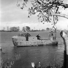 BARCARIN c. 1947 - Le Bac Camargue  Bouches du Rhône - Négatif 6 x 6 - N6 PROV35