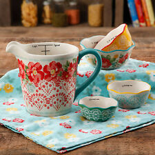 The Pioneer Woman Vintage Floral 4-Piece Measuring Bowl with 4-Cup Measuring Cup