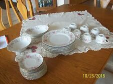 Hutschenreuther Germany Vintage China, Richelieu Pattern 29 Pieces