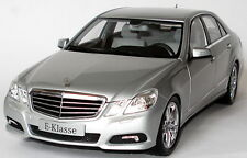 MINICHAMPS 2009 MERCEDES E CLASS DEALER Silver 1:18 (NEW STOCK) Rare Find!