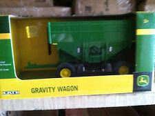 ERTL 1:32 green Gravity Wagon
