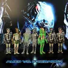 "Genuine Set Of 7pcs Alien vs Predator Alien/ Predator 10cm/4"" PVC Figure Loose"