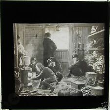 Glass Magic lantern slide RUSSO JAPANESE WAR - RUSSIAN SOLDIERS NEAR STOVE