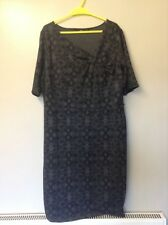 5- Ladies Dress Size 22 In Great Con