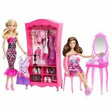 Barbie Teresa Getting Ready 2 Doll Playset Outfits Mirror Closet 2011 X4879  NEW