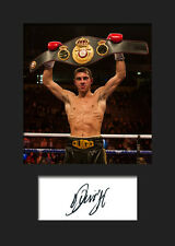 SCOTT QUIGG - Signed Photo A5 Mounted Print - FREE DELIVERY