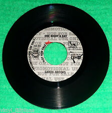 "PHILIPPINES:GARTH BROOKS - One Night A Day,7"" 45 RPM,rare,PROMO COPY"