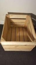 LIGHT NATURAL VINTAGE WOODEN APPLE FRUIT CRATE RUSTIC OLD BUSHEL BOX HAMPER