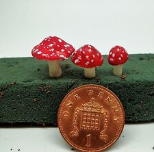 3 Traditional  Toadstools Dolls House Miniature Fairy Garden Accessory
