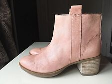 Clarks Leather Designer Ladies Women Ankle High Heel Shoe Boot Size 4 D