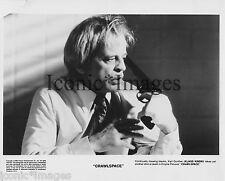 ORIGINAL 1986 MOVIE STILL-CRAWLSPACE- KLAUS KINSKI-PUTS GUN TO HEAD-HORROR