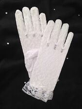 GIRLS WHITE LACE  COMMUNION GLOVES  ONE SIZE  BRAND NEW TO FIT AGE 6-7 YEARS