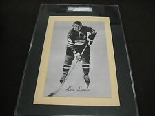 RARE 1945-64 BEEHIVE GROUP 2 BLACKHAWKS LEN LUNDE  SGC GRADED