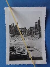 Foto Frankreich 1940 zerstörte Häuser in Sedan