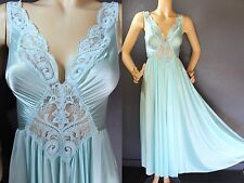SWEET Vtg OLGA Pale MINT Blue Sheer LACE NiGHTGOWN Negligee Full SWEEP M 92270