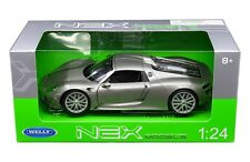 Welly 1/24 Scale Porsche 918 Spyder Hard Top Silver Diecast Car Model 24055