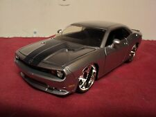 Jada 2008 Dodge Challenger  SRT 8  1/24th scale  new no box 2011 release silver