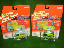Johnny Lightning Hollywood on Wheels set of Real Wheel Series Mystery Machine's