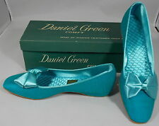 DANIEL GREEN COMFY WOMEN'S SLIPPERS TURQUOISE NIB SIZE 7B TRIXI 60166 BOWS